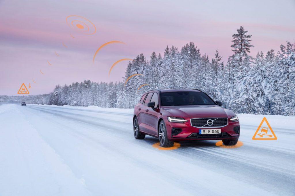 Auta Volvo w Europie będą się informować o niebezpiecznych sytuacjach drogowych